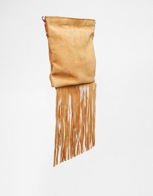 Sac bandoulière à franges en cuir et daim Asos - sélection shopping spéciale festival - Charonbelli's blog mode
