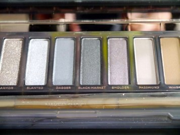 La naked Smoky Urban Decay - disponible chez Sephora et déjà à la maison ! (3) - Charonbelli's blog beauté