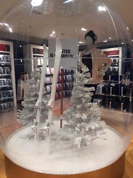 Princesse Tam Tam X Uniqlo - le pop up store des Galeries Lafayette Haussmann est ouvert ! (3) - Charonbelli's blog mode