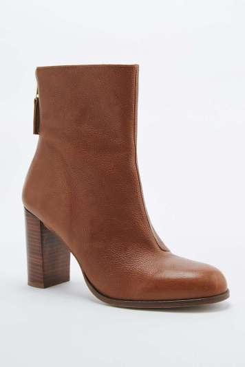 Bottines hauteur mollet Tori fauve Unrban Outfitters - Back to school - Charonbelli's blog mode