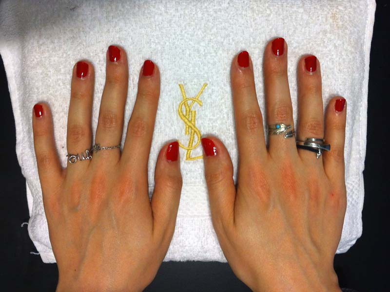 Bar-a-ongles-Yves-Saint-Laurent-5-Charonbellis