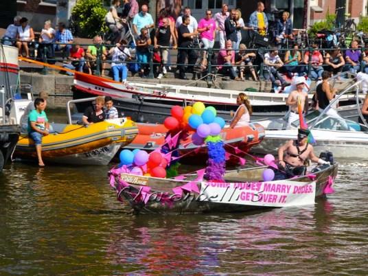 Et si on (re)partait a Amsterdam ? #cityguide - Gay pride (1) - Charonbelli's blog de voyages