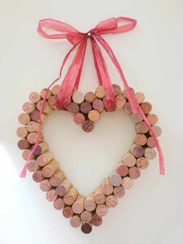 Un-DIY-pour-la-Saint-Valentin-coeur-bouchons-Charonbellis-blog-lifestyle