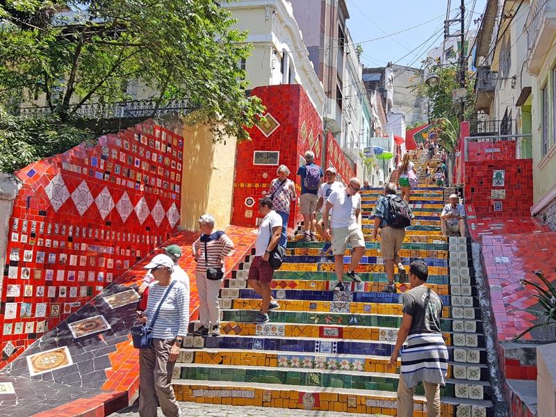escadaria-selaron7visiter-rio-decouverte-lapa-santa-teresa-charonbellis