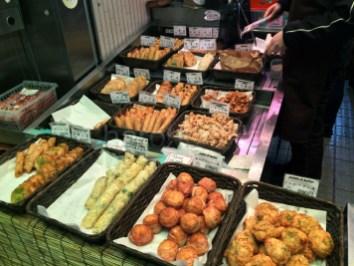 Nishiki(1)-Quoi-ou-manger-a-Kyoto-Charonbellis