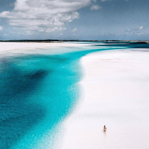 Sandy Cay Photo by: tropicsdaily (Source : Instagram)