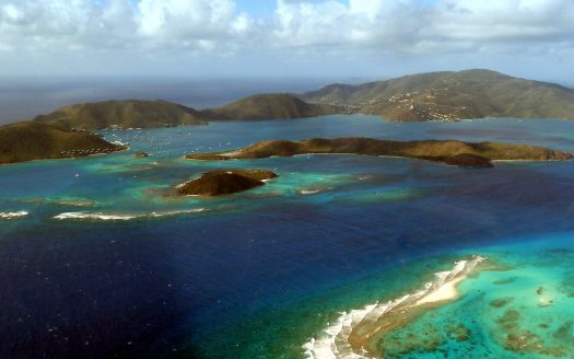 Pass between Eustatia Island and Prickly Pear Island