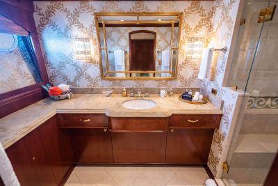 Guest-bath-1280px-45