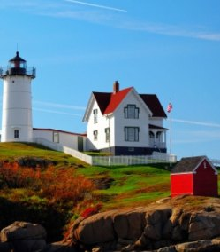 newEngland-lighthouse-2
