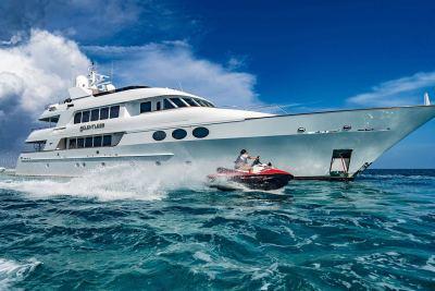 yacht-waverunner-5-1280px-45
