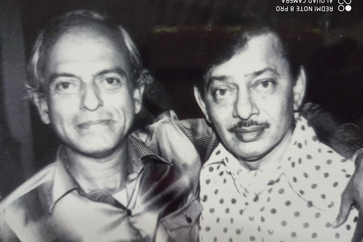 जवळचे मित्र स्व. डॉ. काशीनाथ घाणेकर यांच्या समवेत