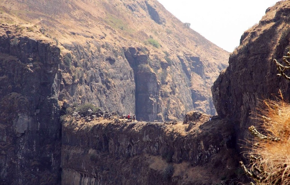 त्र्यंबकेश्वर उर्फ ब्रम्हगिरीचा डोंगर – Trimbakeshwar Alias Brahmagiri