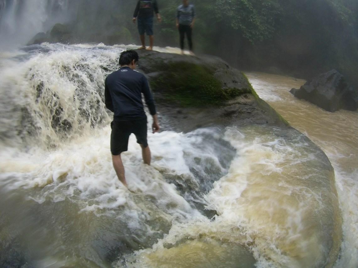 Hulugan Falls - Luisiana, Laguna