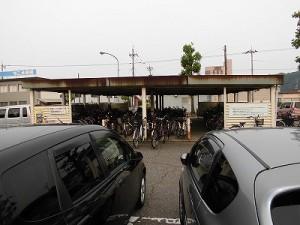 越前花堂駅を知っていますか。 駐輪場遠景/どこまでもアマチュア