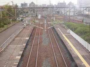 越前花堂駅を知っていますか。 歩道橋上から福井市中心部方面を見た風景/どこまでもアマチュア