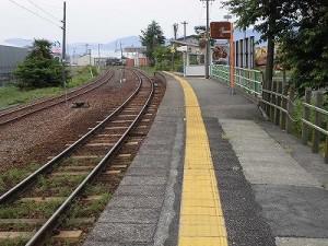 越前花堂駅を知っていますか。 大野方面を見た景色/どこまでもアマチュア