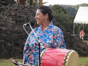 六呂師高原アルプス音楽祭2014 衣装と笑顔がステキなパーカッションの女性メンバー/どこまでもアマチュア