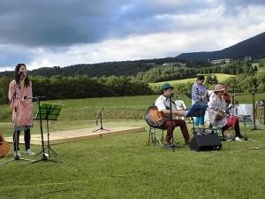 六呂師高原アルプス音楽祭2014 沖縄の音楽をじっくり味わえたふみんちゅのステージ/どこまでもアマチュア