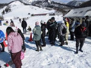 さかだに雪まつり スノーモービル体験の観客/どこまでもアマチュア
