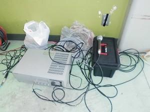 さかだに雪まつり 餅つき会場の片隅に直置きしたVictor 業務用 システムアンプ PA-708 04078/どこまでもアマチュア