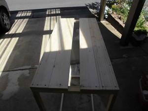 日曜大工自習教室~ズブの素人編~ ロッカー側面に板があと1枚の図/どこまでもアマチュア