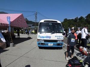 第51回越前大野名水マラソン 中日新聞さんの現地取材カー/どこまでもアマチュア