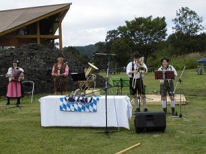 六呂師高原アルプス音楽祭2015 アルプス音楽団本番スタート/どこまでもアマチュア