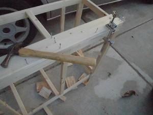 日曜大工教室~我流か自己流か編~ ハタガネで板を固定/どこまでもアマチュア