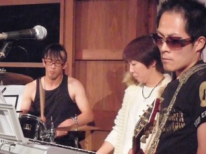 MARIA ライブ 2015 at 平蔵 右側の3人/どこまでもアマチュア