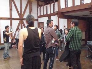 MARIA ライブ 2015 at 平蔵 バンドメンバーと談笑するお客さん/どこまでもアマチュア
