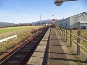 六条駅を紹介します。 駅舎方面へ戻ってみる。/どこまでもアマチュア