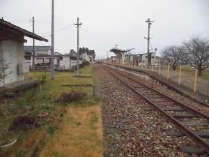 越前東郷駅を見てきました。 支線が向こうまで続いている/どこまでもアマチュア
