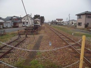 越前東郷駅を見てきました。 プラットホーム先端から見た風景/どこまでもアマチュア