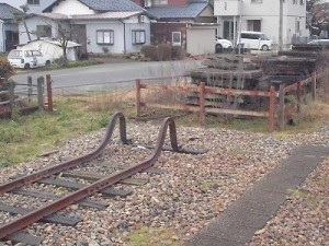 越前東郷駅を見てきました。 支線行き止まりの近景/どこまでもアマチュア