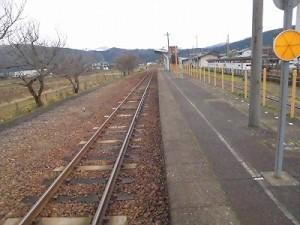 越前東郷駅を見てきました。 プラットホームをUターン/どこまでもアマチュア