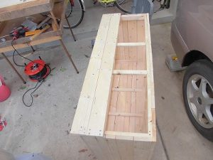 日曜大工教室~我流か自己流か編 2枚目の天板の取り付け完了/どこまでもアマチュア