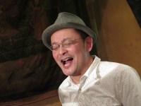歌う木村 純士(きむら じゅんじ)氏
