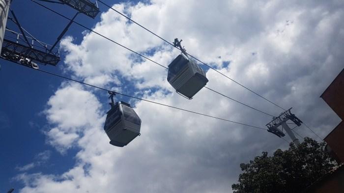 Dei Seilbahn als Teil der öffentlichen Verkehrsmittel in Medellin