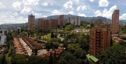 Das Viertel Poblado, der Ausblick von Estebans und Julianas Wohnung