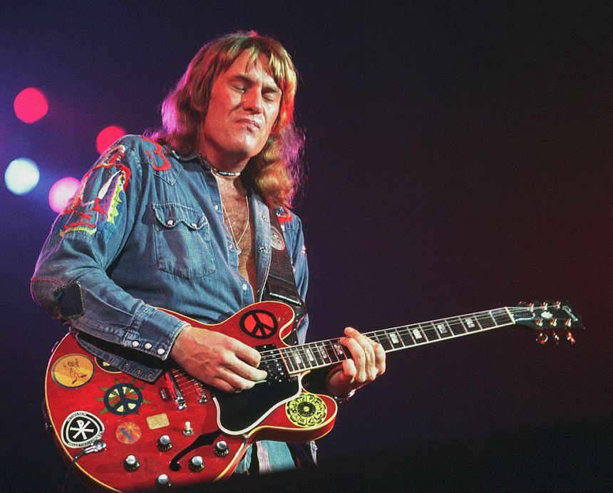 Alvin Lee with is famous red Gibson 335