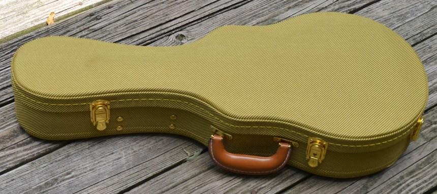 Very cool tweed case