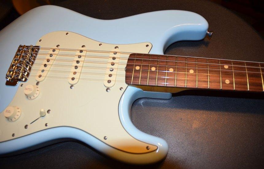 Fender mint green pickguard - Fender Abby pickups