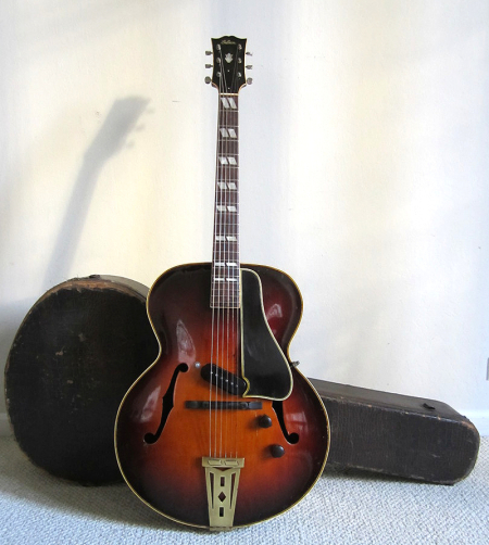 1942 Gibson ES-300 with smaller pickup