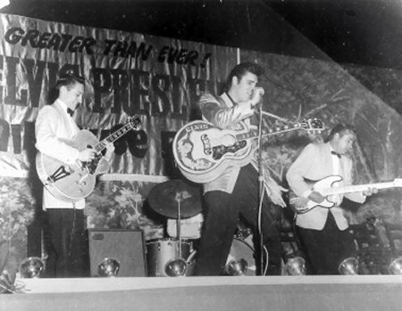 Scotty with Super 400 and Echosonic amp, Elvis and Bill - Sep. 1, 1957