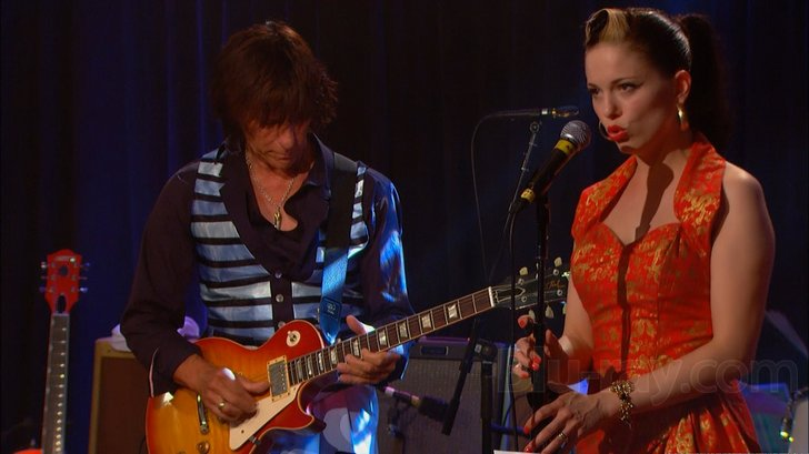 Jeff Beck and Imelda May honoring Les Paul and Mary Ford in 2010