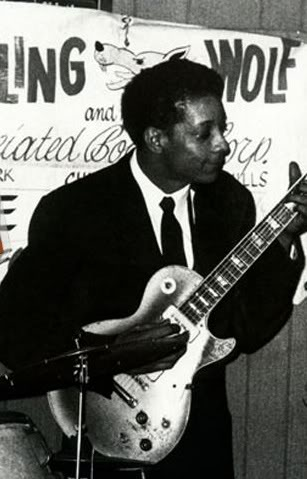 Hubert Sumlin with Holin' Wolf band playing Les Paul Goldtop