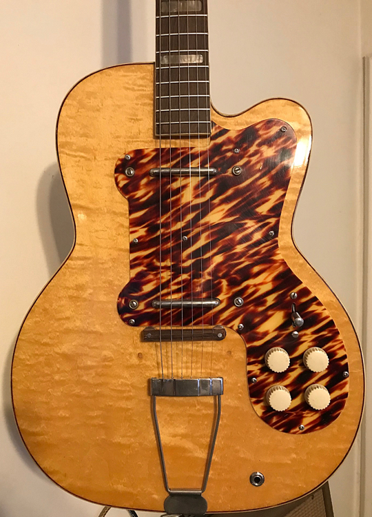 Dating kay Gitarren