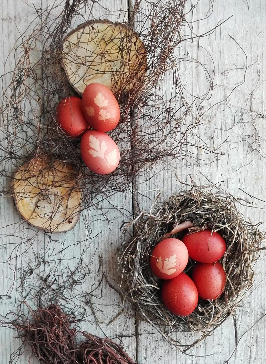 uova rosse di pasqua