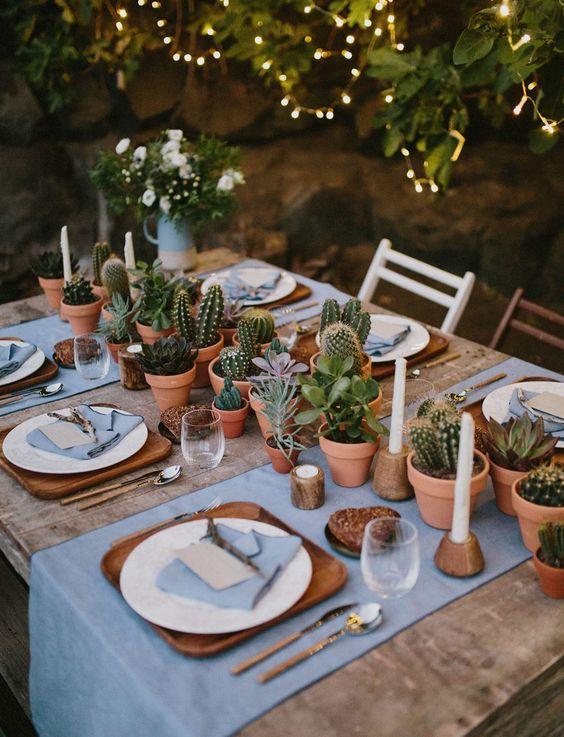 tavola decorata con succulente