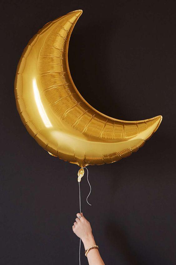 palloncino a forma di mezza luna